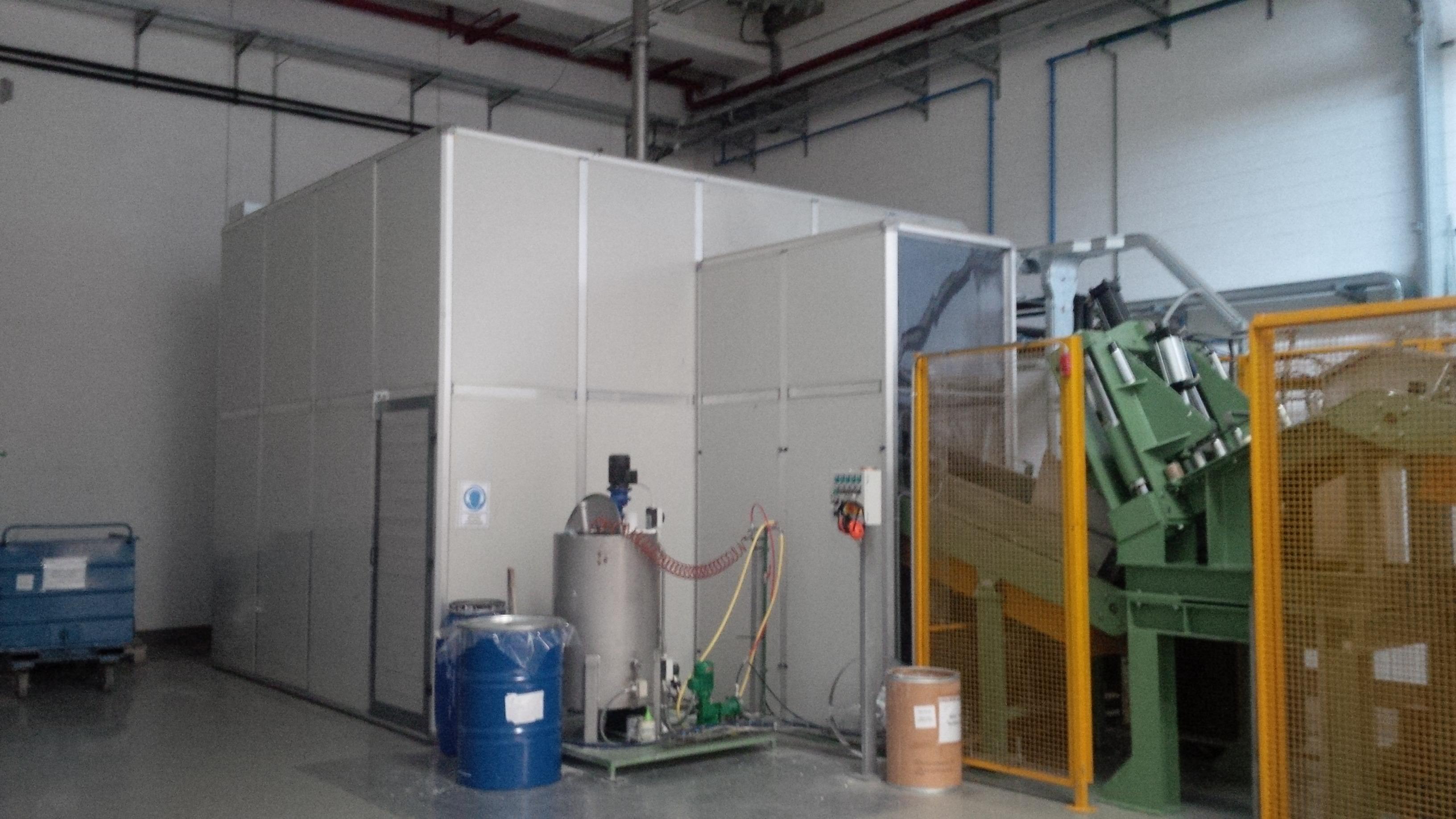 Cabina silente impianto con tunnel insonorizzato protezine uscita materiali
