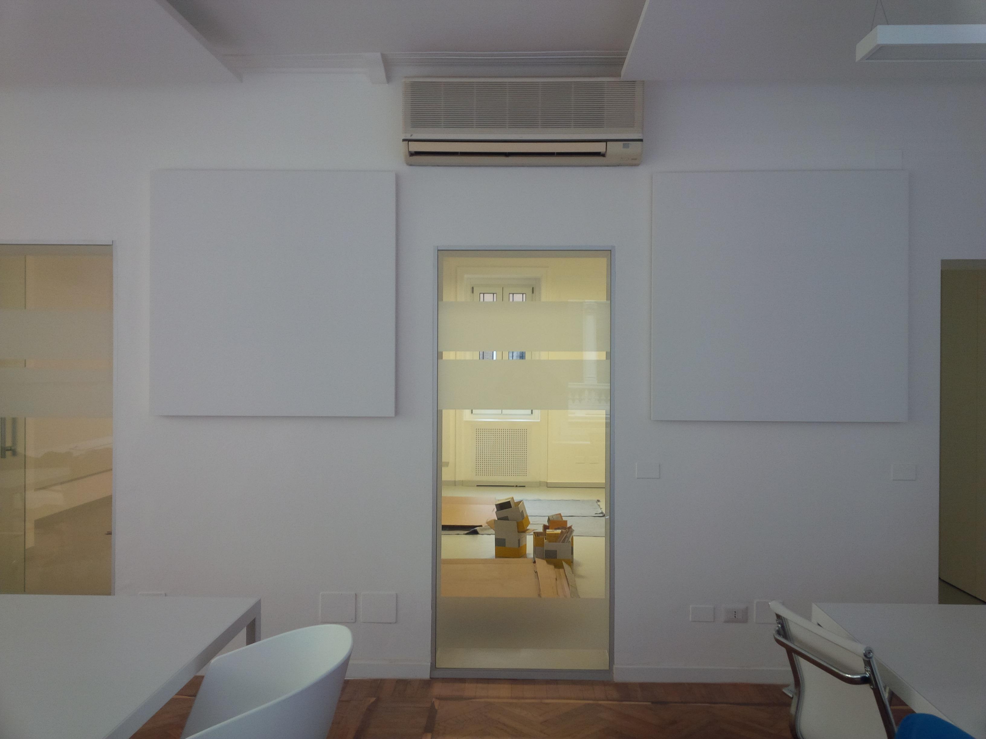 Correzione acustica parete ufficio milano