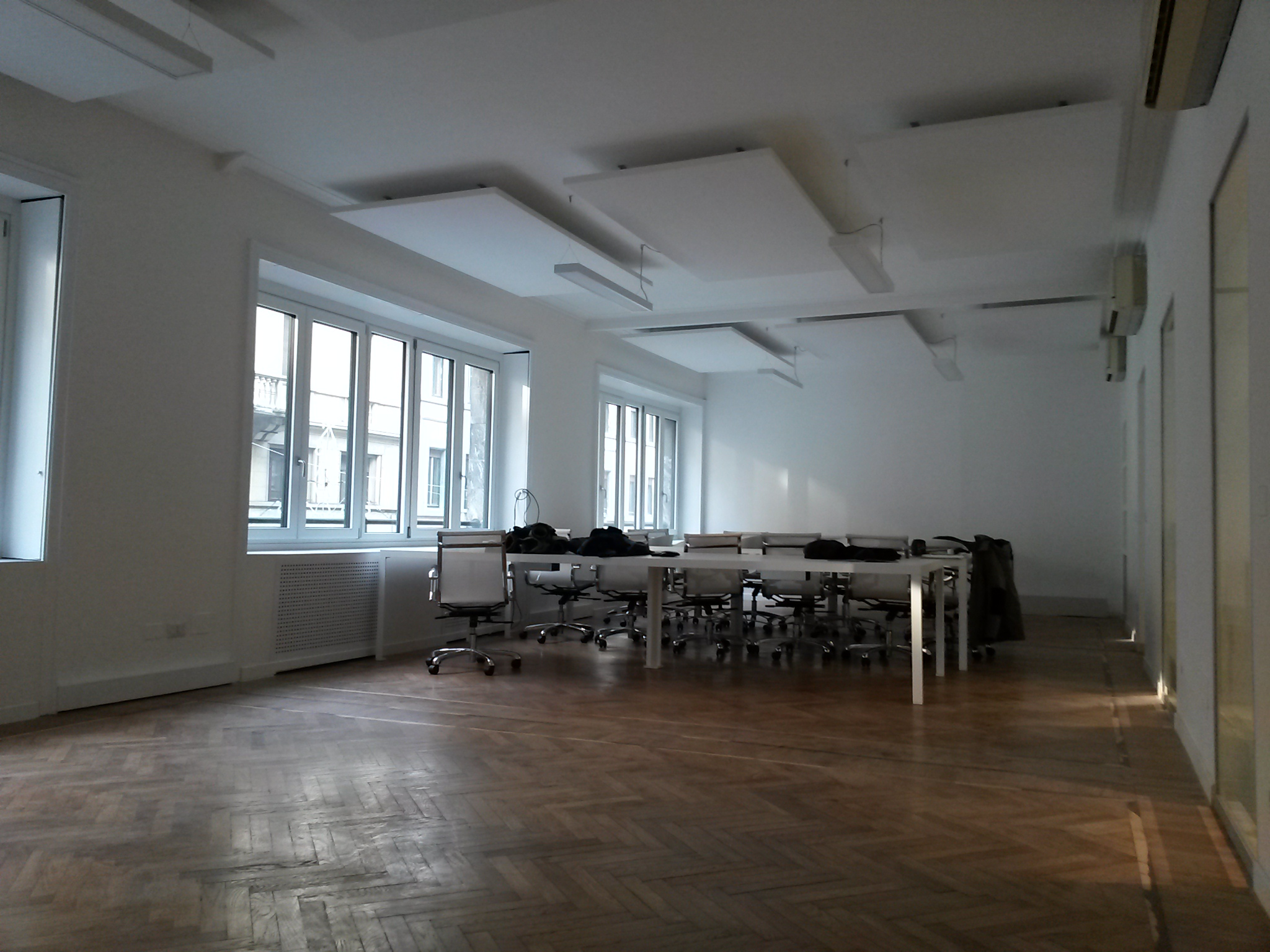Correzione acustica uffici milano