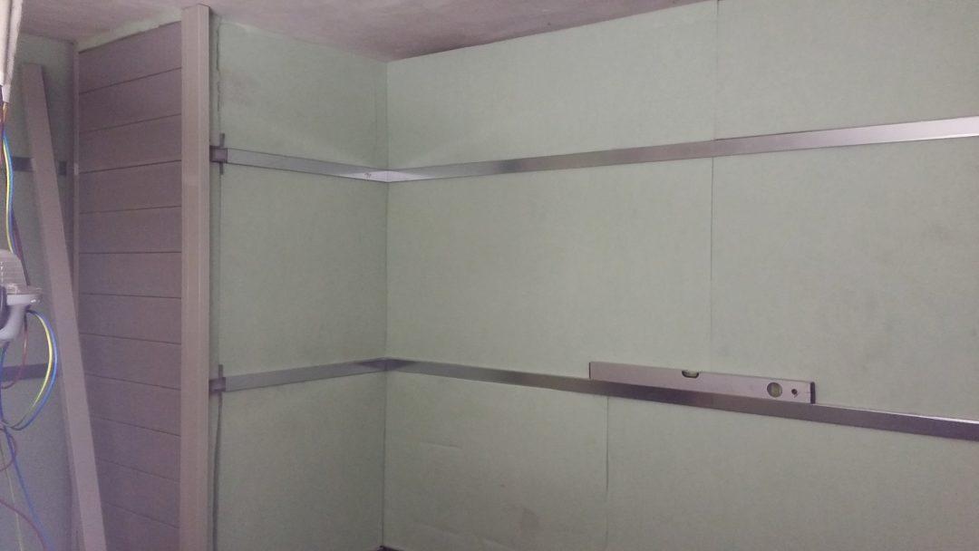 Isolamento acustico locale ascensore, altra parete fissaggio distanziali e fonoassorbente