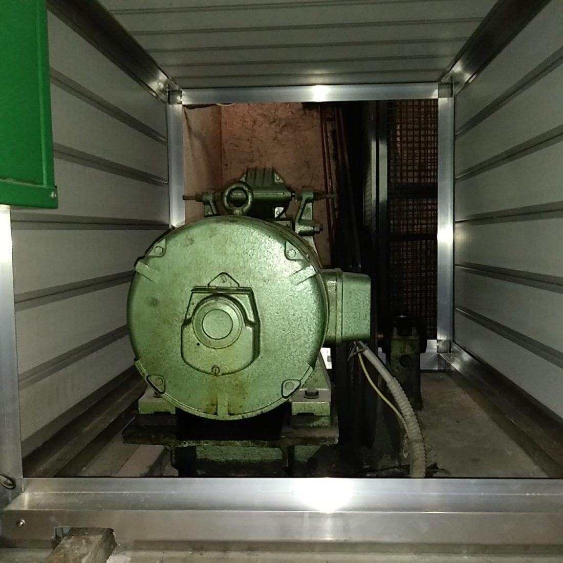 Cabina silente motore ascensore vista interna